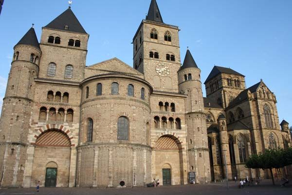 Dom van Trier